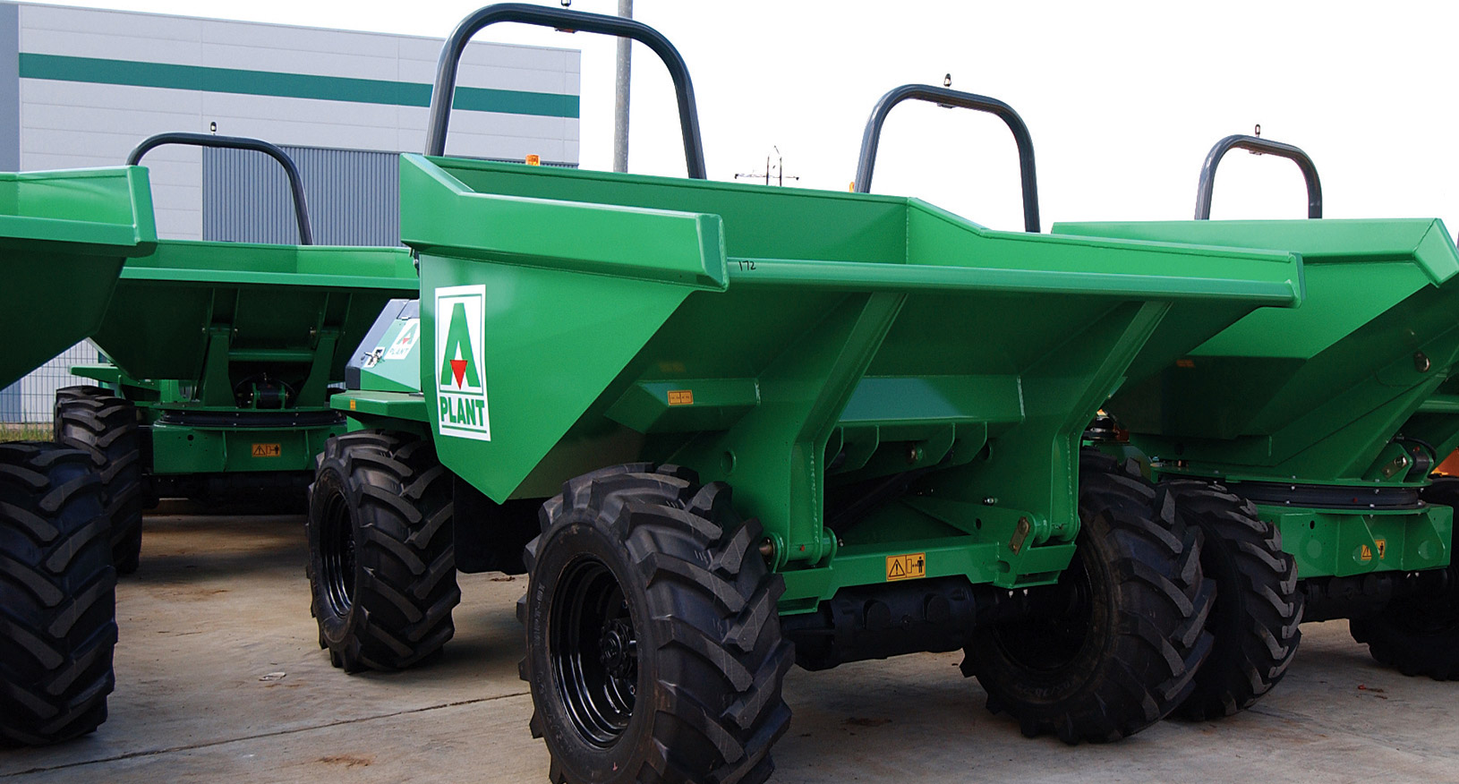 2T Four Wheel Drive Swivel Skip Dumper