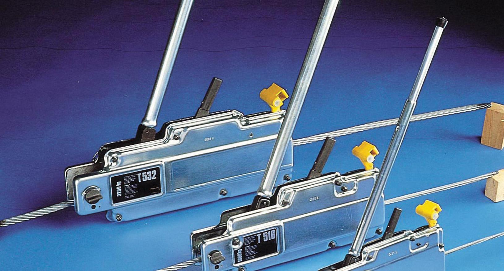 1.6T Lift/Pulling Machine