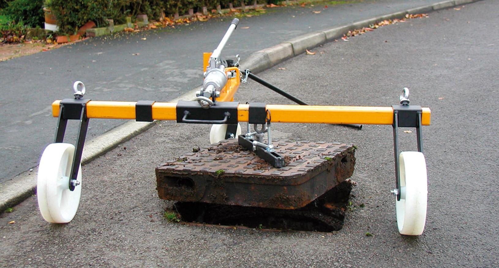 1.5T 2 Key Manhole Lifter