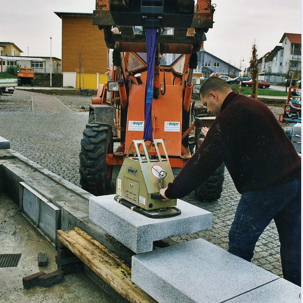400kg Stone Magnet 12V