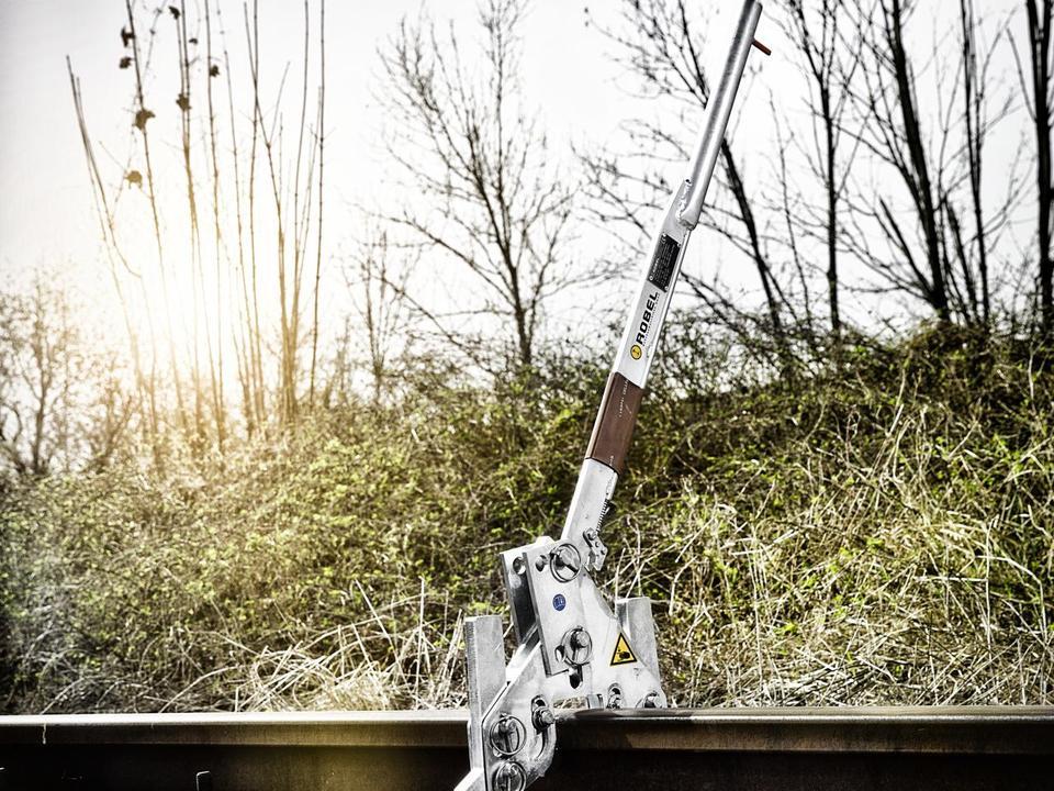 Rail Lifter - Robel