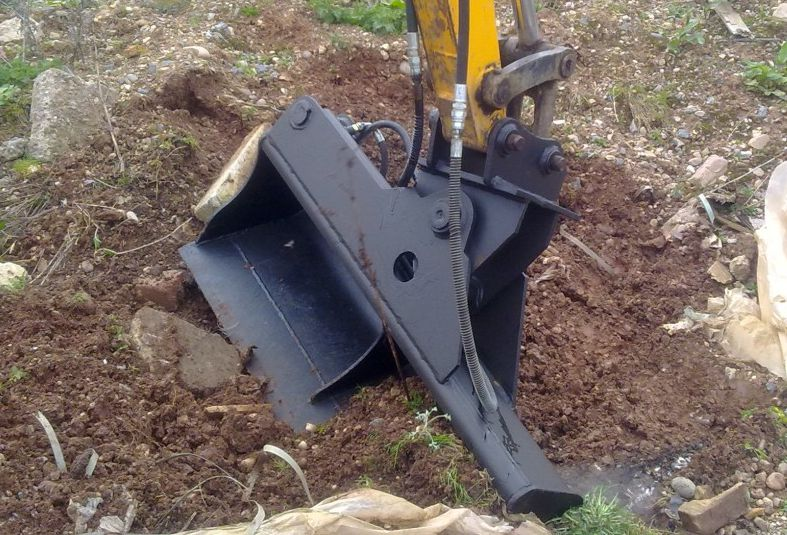 Tilting Bucket 12-22 ton